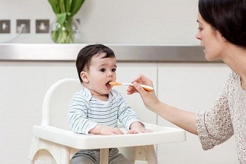Cách chọn bột ăn dặm cho bé