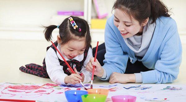 Cách dạy con gái 2 tuổi thông minh và nghe lời